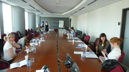 In diesem Konferenzraum haben wir mit insgesamt fünf deutschen EU-Parlamentariern darüber gesprochen, was sie hier eigentlich tun.